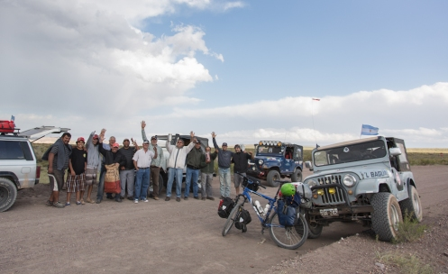 Este grupo de jeeperos de coches antiguos me dio la alegria de haber recorrido todos estos kilómetros.