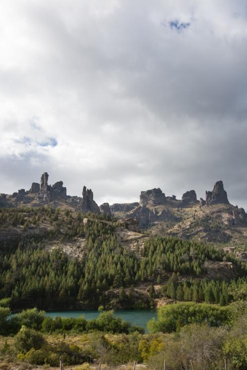 El paisaje se va tornando montañoso según me voy acercando a Bariloche.