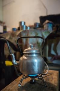 Preparándome el esperado té.