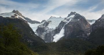 Desprendimientos de glaciares en el valle de los Exploradores. El sonido es grandioso!