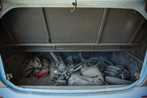Así apareció mi bicicleta y todas las mochilas al abrir el maletero del autobus.