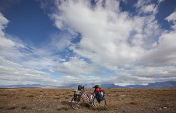 Mi bicicleta durante un descanso en la pampa argentina.