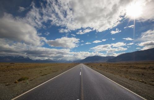 Echo la vista atrás y veo perderse las montañas de El Chaltén en el horizonte.