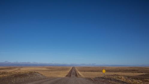 Largas rectas de ripio hacia un horizonte que nunca llega.