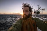 Cruzando el Estrecho de Magallanes no hay nadie en la cubierta del barco para fotografiar y el momento es demasiado especial.
