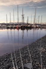 Puerto de Micalvi, Pto. Williams. Todos estos veleros tienen una historia, y sus dueños miles...