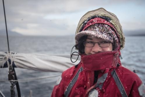 Dominique supervisa la precaria navegación que realizamos Giuseppe y yo bajo la nieve.