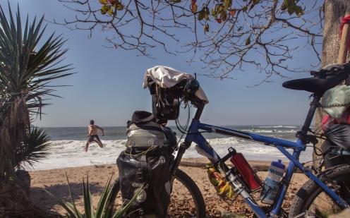 Al agua!! hace mucho calor y en la playa de Penha aprovecho para refrescarme.