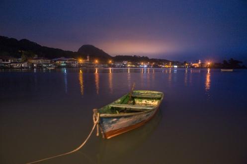 Cae la noche en la isla de São Francisco.