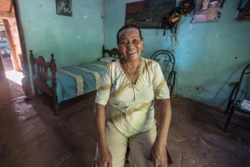 Rufina tiene un espíritu realmente joven. Vive con su bisnieta (hija) y tataranieta.
