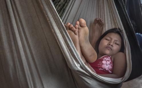 Con la brisa de la tarde dormir la siesta es un verdadero placer, aunque sea de dos en dos en la hamaca.