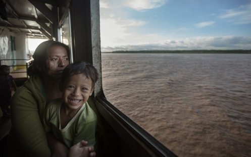 Jessy ha de regresar obligada por las circunstancias a Iquitos despues de un mes trabajando en Lima.