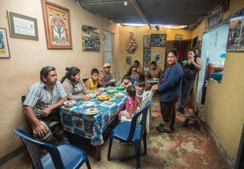 La familia Aguillon Chindoy me acoge en un casa con los brazos abiertos. Como uno mas de la familia vivo con ellos unos dias en el pueblo de Sibundoy.