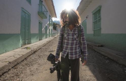 Buscamos siempre la mejor luz para salir con nuestras cámaras a fotografiar y grabar...eso no lo podemos evitar.
