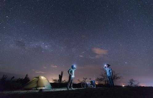 Por fin compartimos una noche bajo las estrella. Desierto de la Tatacoa, Colombia.