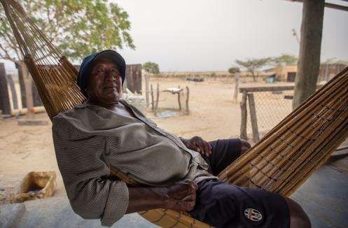 Benito vive solo en el pueblo de Auyama.