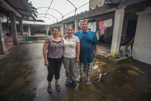 Anita, Denis y Noé nos acogen en un su casa de Mapastepec a través de la comunidad de warmshower