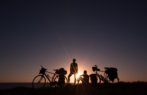 Primera noche en Baja California. Playa, ballenas y atardecer son los ingredientes de esta península mágica.