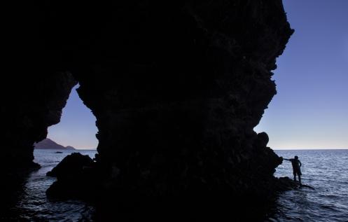 Jose en la cueva de las ventenas. Isla Espiritu Santo.