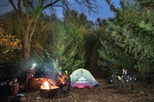 Sentirse como en casa en cualquier lugar. Campamento camino a las sequoias.