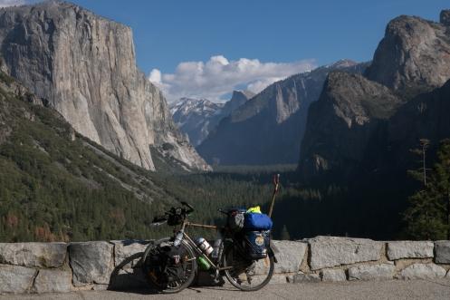 Entramos al valle de Yosemite por el mirador del túnel. Cuantas veces había soñado con ver a Tatacoa aqui puesta.