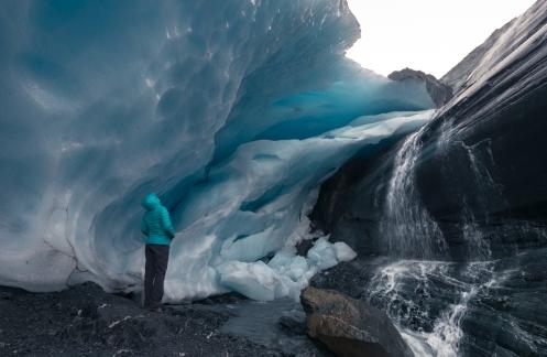 Bea frente al Glaciar Worthington