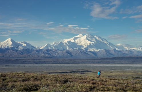 Que pequeños somos en estos valles de Alaska.